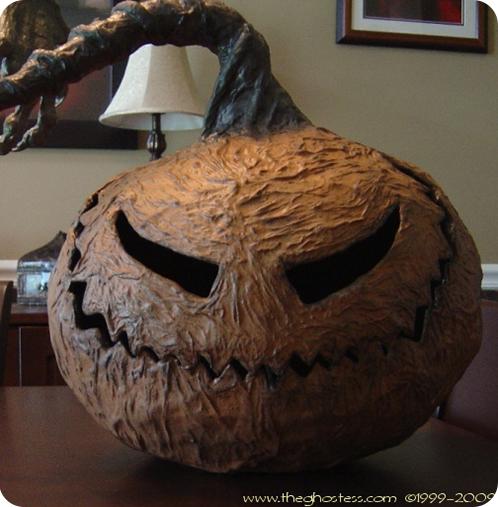 Recopilatorio de manualidades de halloween para decorar la - Como hacer calabaza halloween ...