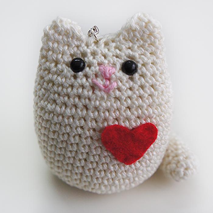 llavero gato amigurumi